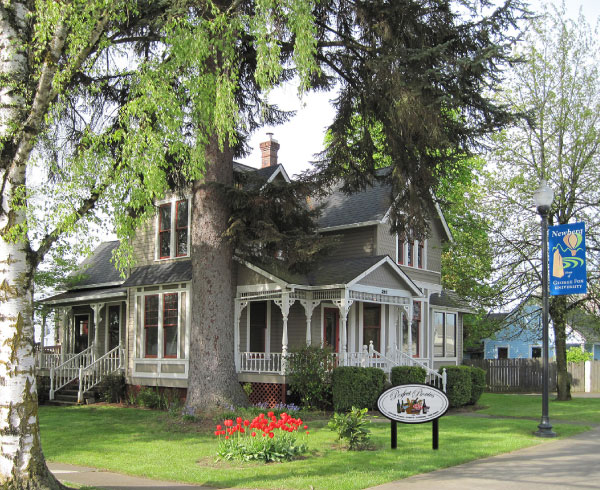 Perfect Picnic, gourmet food, lunch and dinner, new  location, Newberg, OR